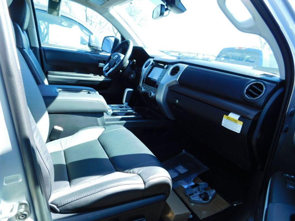 2018 Toyota Tundra 4WD Limited CrewMax 5.5' Bed 5.7L FFV - 17377599 - 10