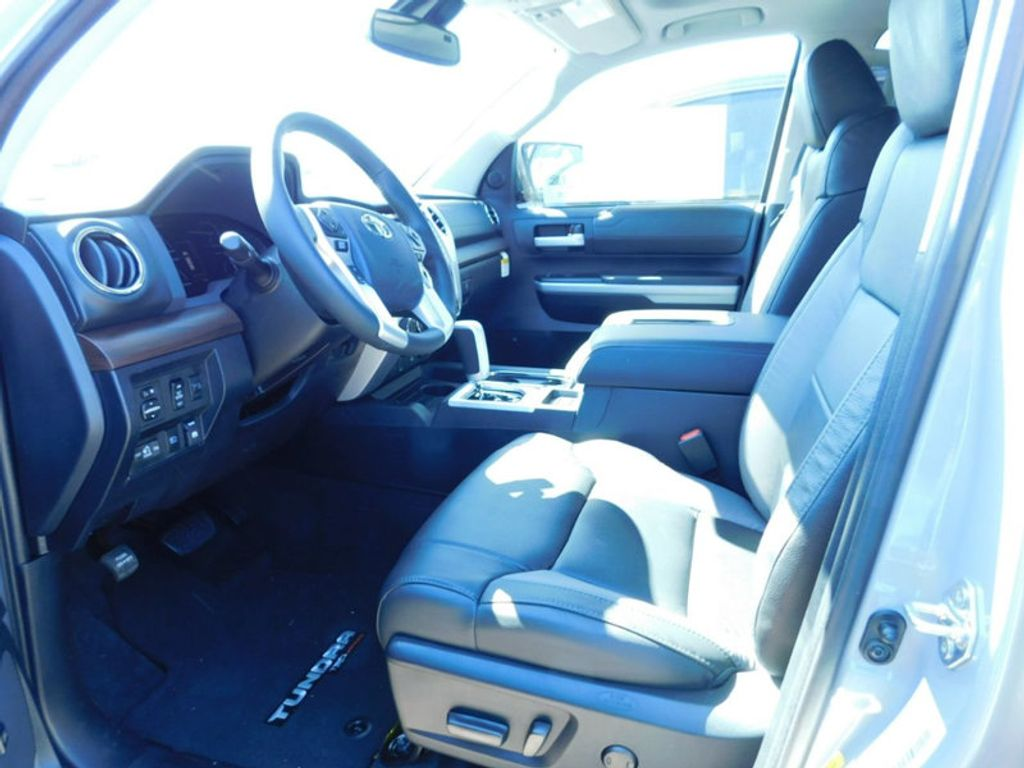 2018 Toyota Tundra 4WD Limited CrewMax 5.5' Bed 5.7L FFV - 17377599 - 14
