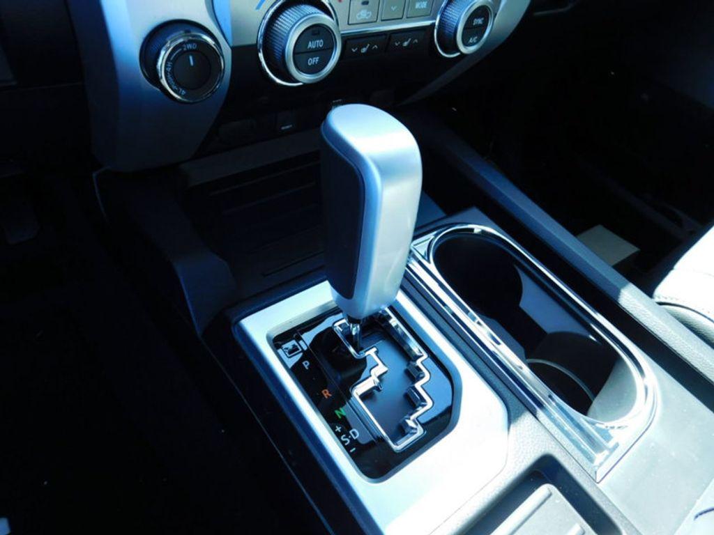 2018 Toyota Tundra 4WD Limited CrewMax 5.5' Bed 5.7L FFV - 17377599 - 21