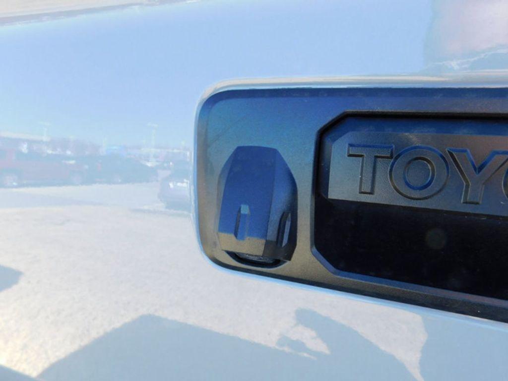 2018 Toyota Tundra 4WD Limited CrewMax 5.5' Bed 5.7L FFV - 17377599 - 4