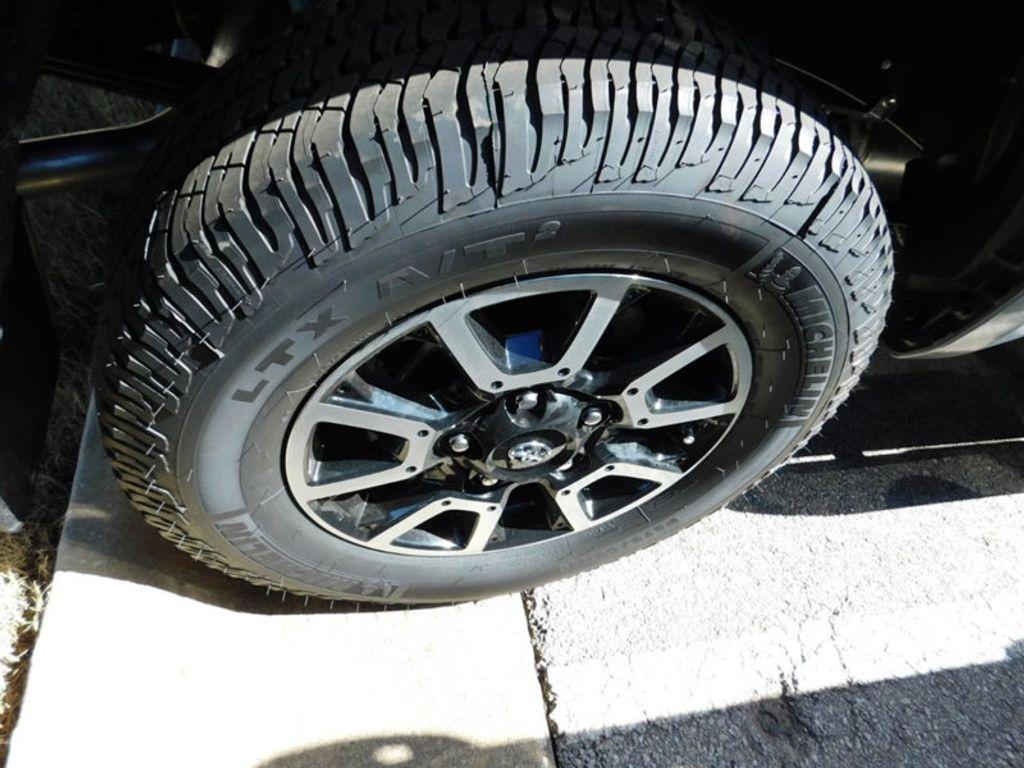 2018 Toyota Tundra 4WD Limited CrewMax 5.5' Bed 5.7L FFV - 17377599 - 6