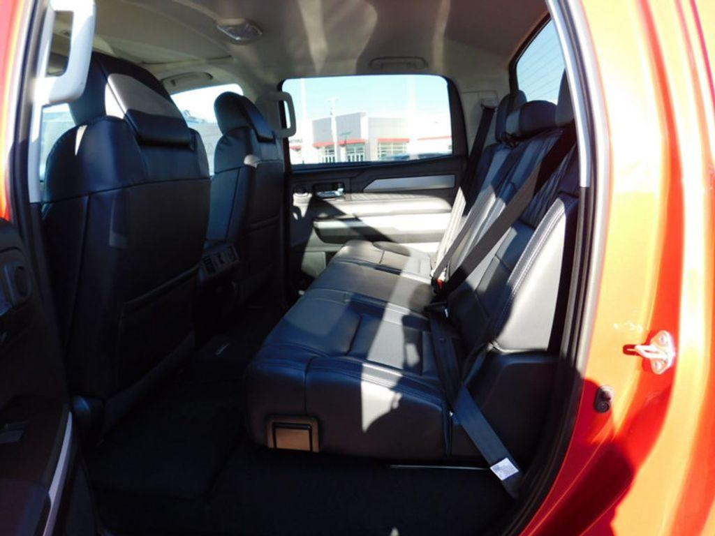 2018 Toyota Tundra 4WD Platinum CrewMax 5.5' Bed 5.7L FFV - 17435247 - 11