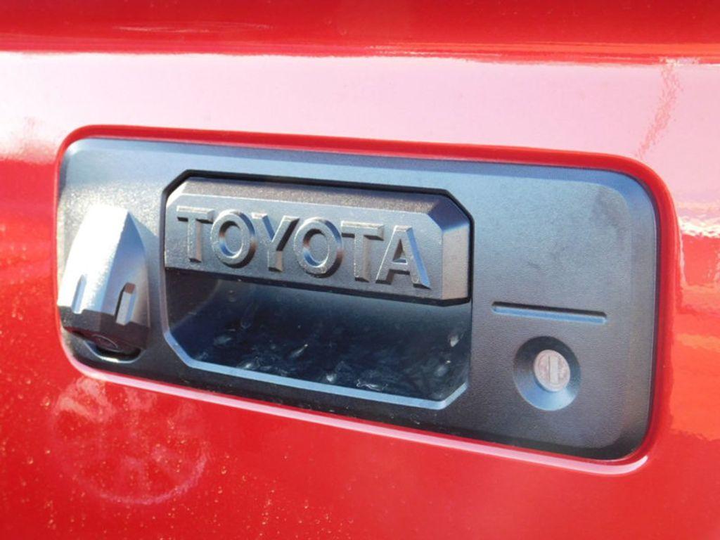 2018 Toyota Tundra 4WD Platinum CrewMax 5.5' Bed 5.7L FFV - 17435247 - 3