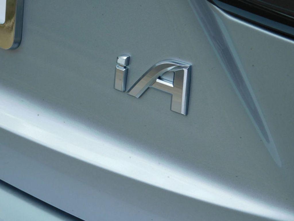 2018 Toyota Yaris iA Automatic - 17404774 - 4