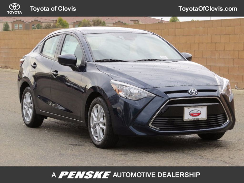 2018 Toyota Yaris iA Manual - 16950422 - 0