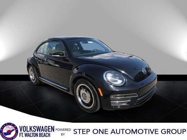 2018 Volkswagen Beetle Coast Automatic Coupe - 3VWFD7AT3JM704866 - 0