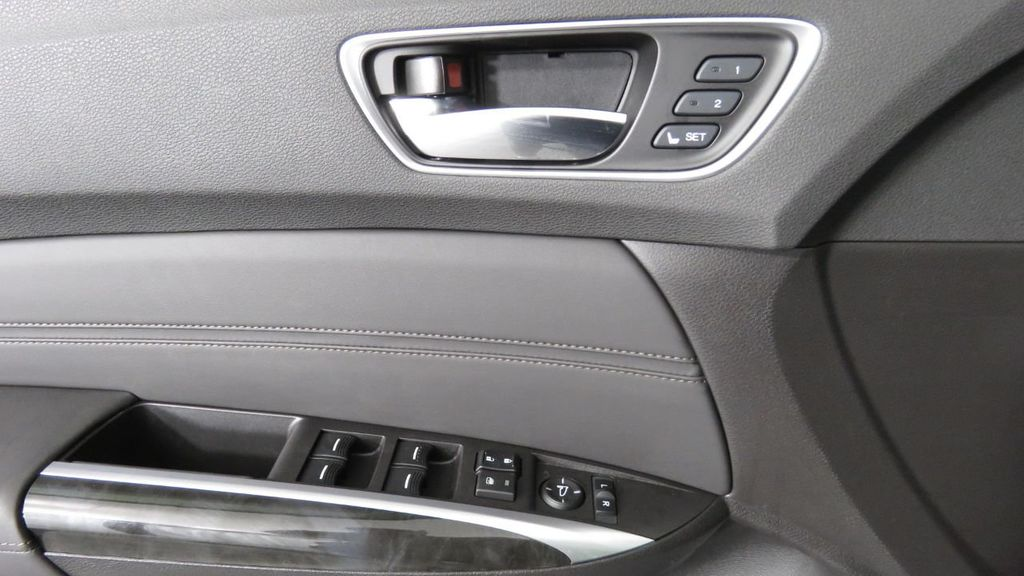 2019 Acura TLX FWD V6 - 18106404 - 25