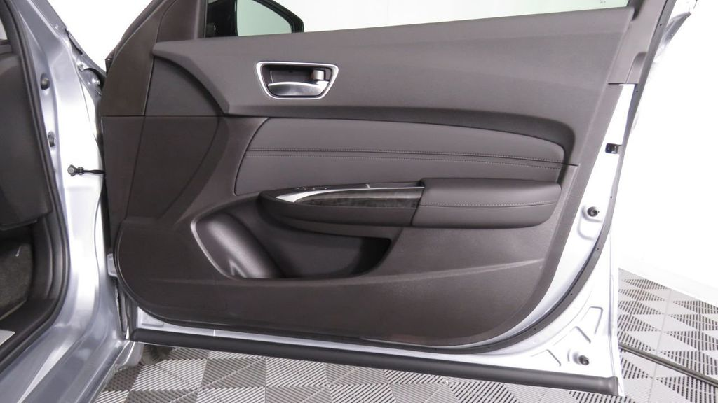 2019 Acura TLX FWD V6 - 18106404 - 27