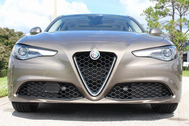 2019 Alfa Romeo Giulia  - 18369596 - 6
