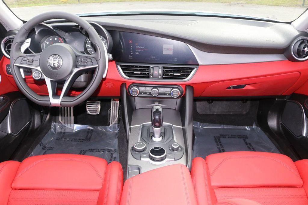 2019 Alfa Romeo Giulia  - 18578676 - 24