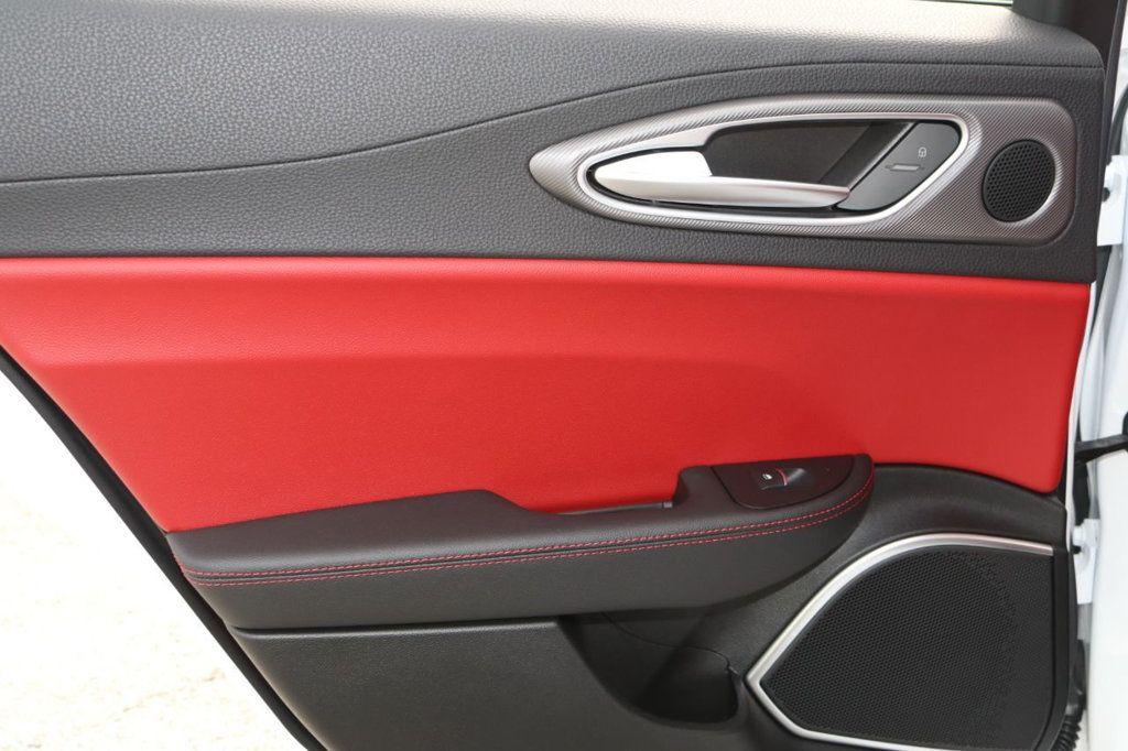 2019 Alfa Romeo Giulia  - 18578676 - 25