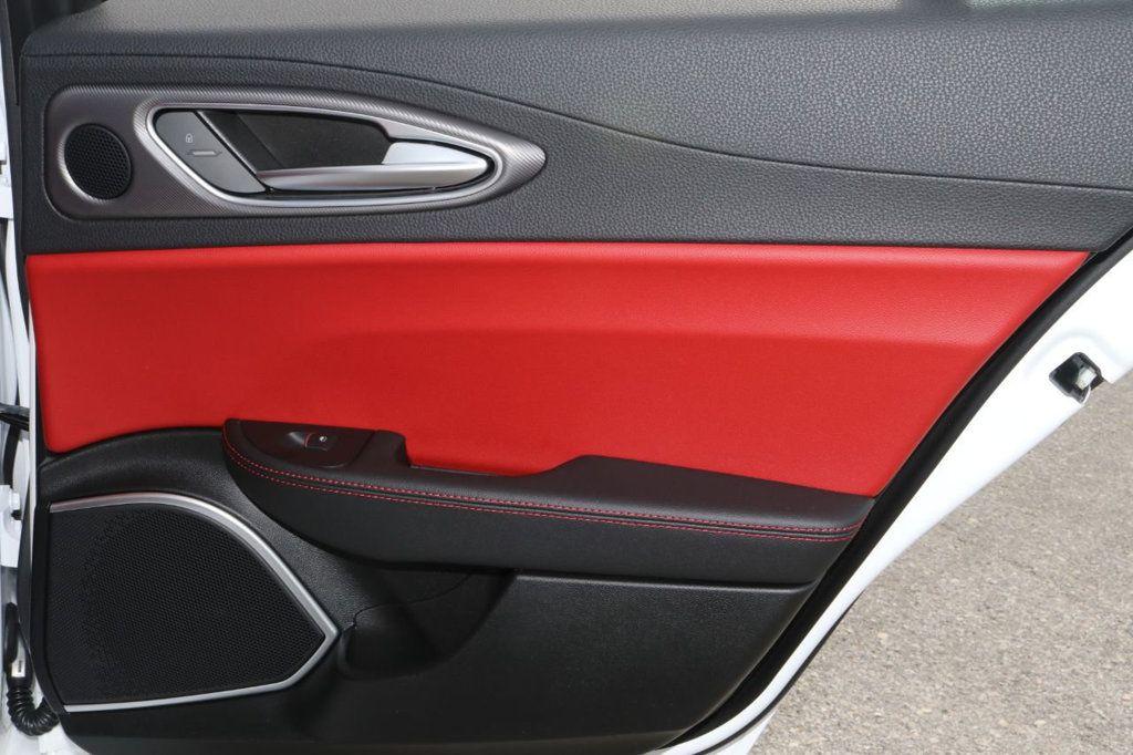 2019 Alfa Romeo Giulia  - 18578676 - 27