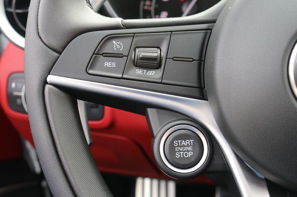 2019 Alfa Romeo Giulia  - 18578676 - 35