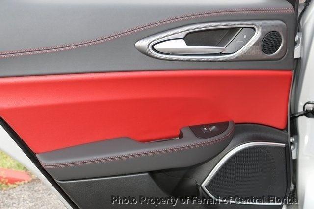 2019 Alfa Romeo Giulia Ti - 18685987 - 24