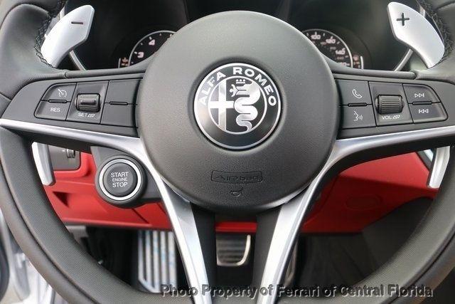 2019 Alfa Romeo Giulia Ti - 18685987 - 32