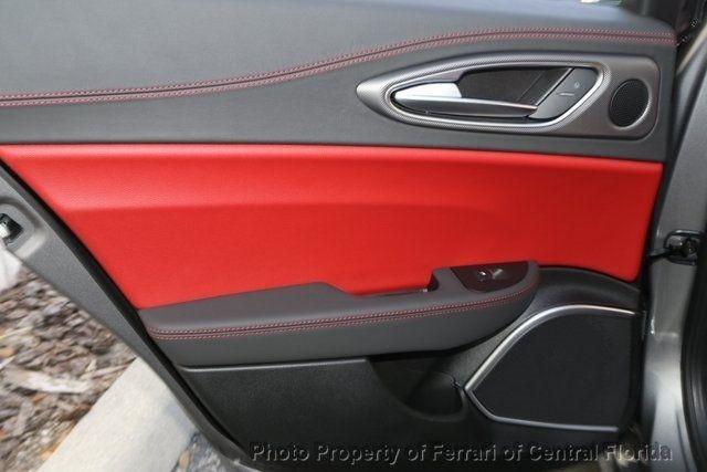 2019 Alfa Romeo Giulia Ti - 18685989 - 24