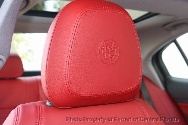 2019 Alfa Romeo Giulia Ti - 18685989 - 27