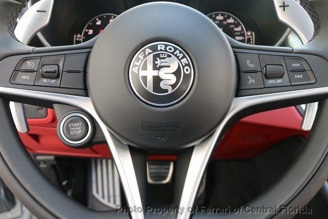 2019 Alfa Romeo Giulia Ti - 18685989 - 32