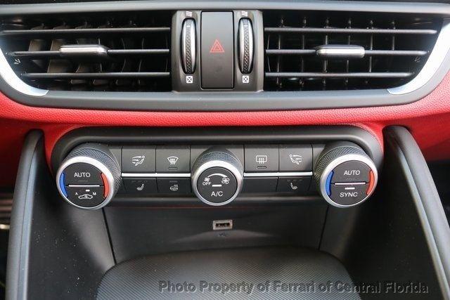 2019 Alfa Romeo Giulia Ti - 18685989 - 38