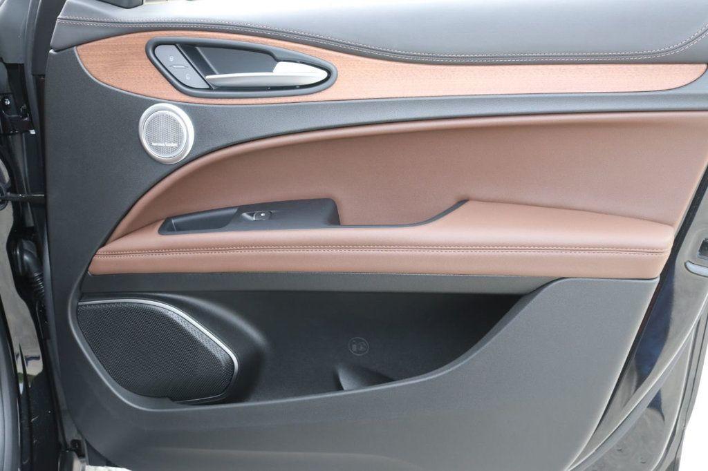 2019 Alfa Romeo Stelvio  - 18578643 - 32