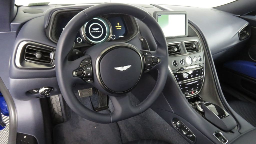 2019 Aston Martin DB11 V8 Coupe - 18526890 - 9