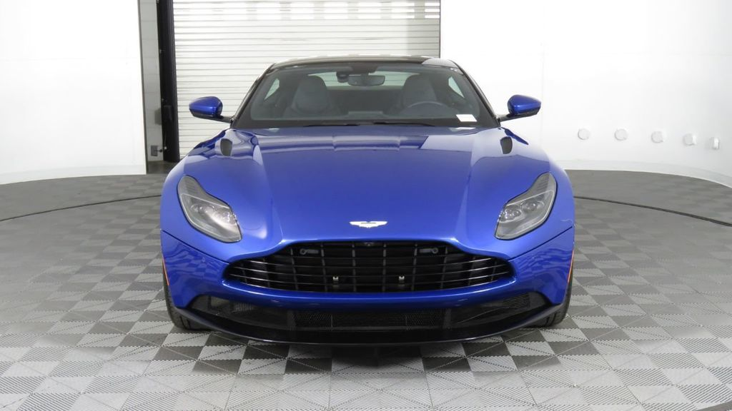 2019 Aston Martin DB11 V8 Coupe - 18526890 - 1