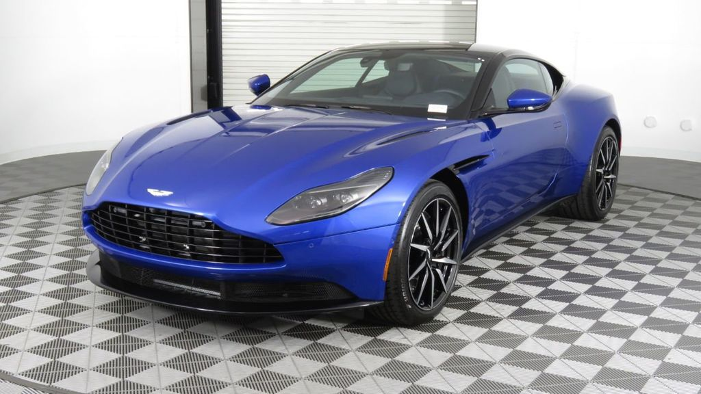 2019 Aston Martin DB11 V8 Coupe - 18526890 - 2