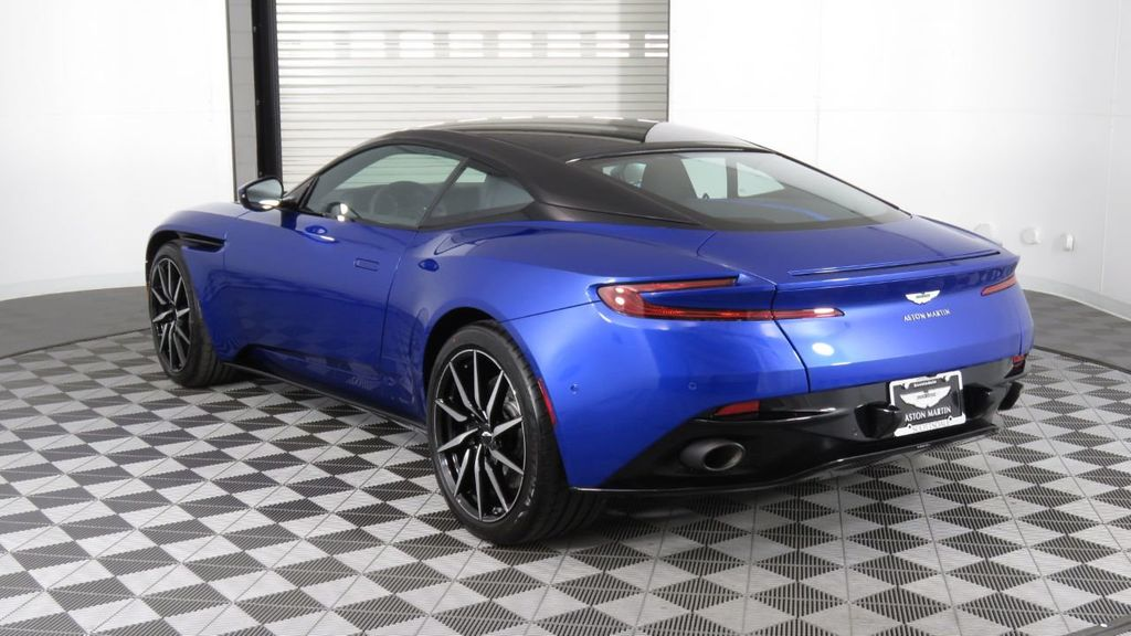 2019 Aston Martin DB11 V8 Coupe - 18526890 - 4