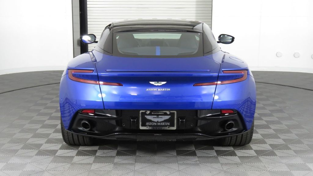 2019 Aston Martin DB11 V8 Coupe - 18526890 - 5