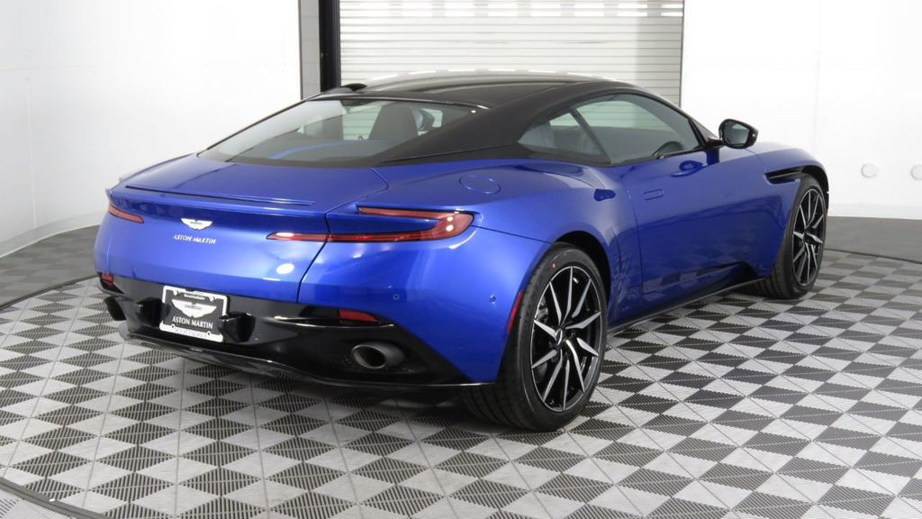 2019 Aston Martin DB11 V8 Coupe - 18526890 - 6