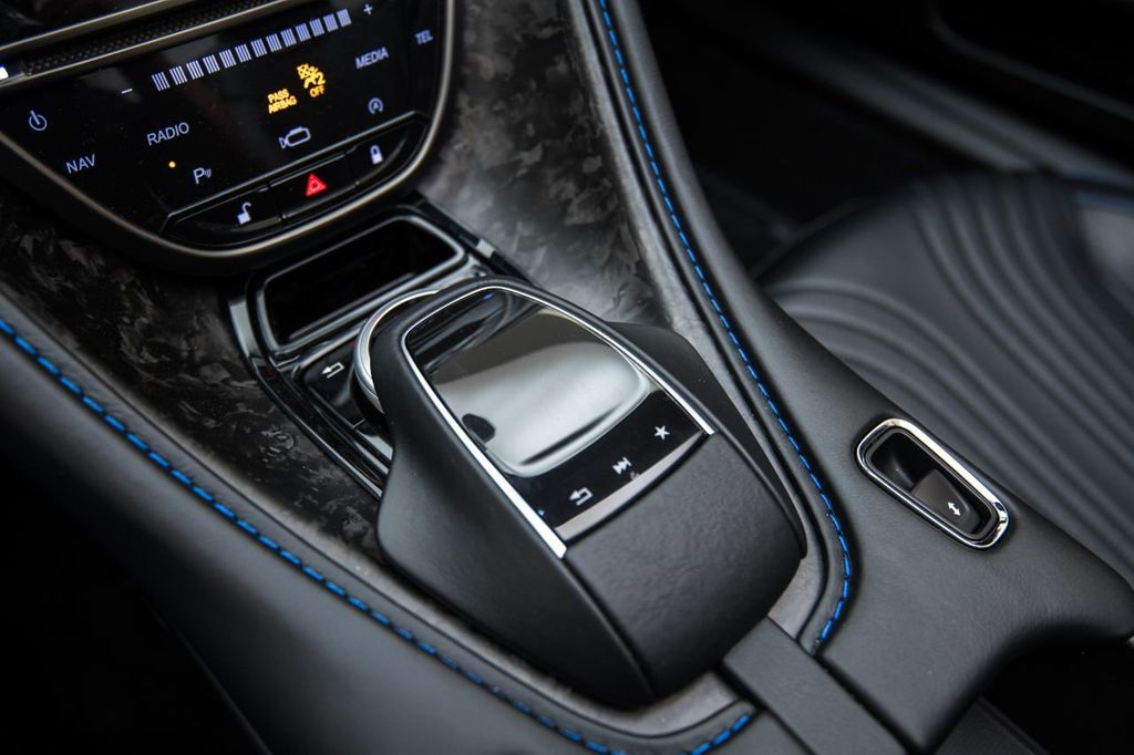 2019 Aston Martin DB11 Volante - 18530281 - 33