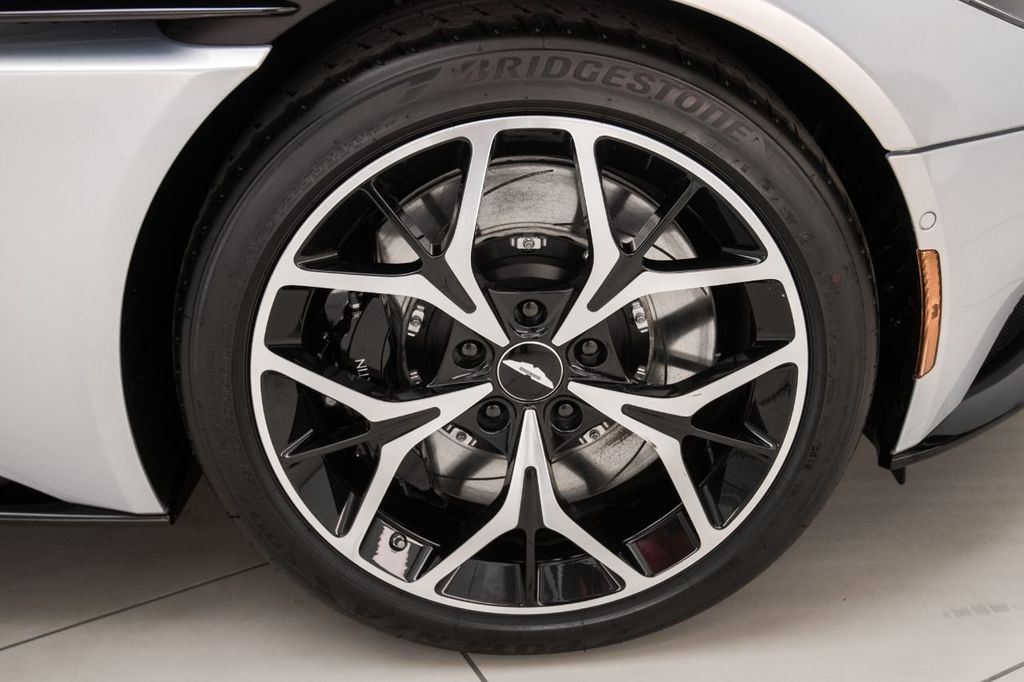 2019 Aston Martin DB11 Volante - 18530281 - 37