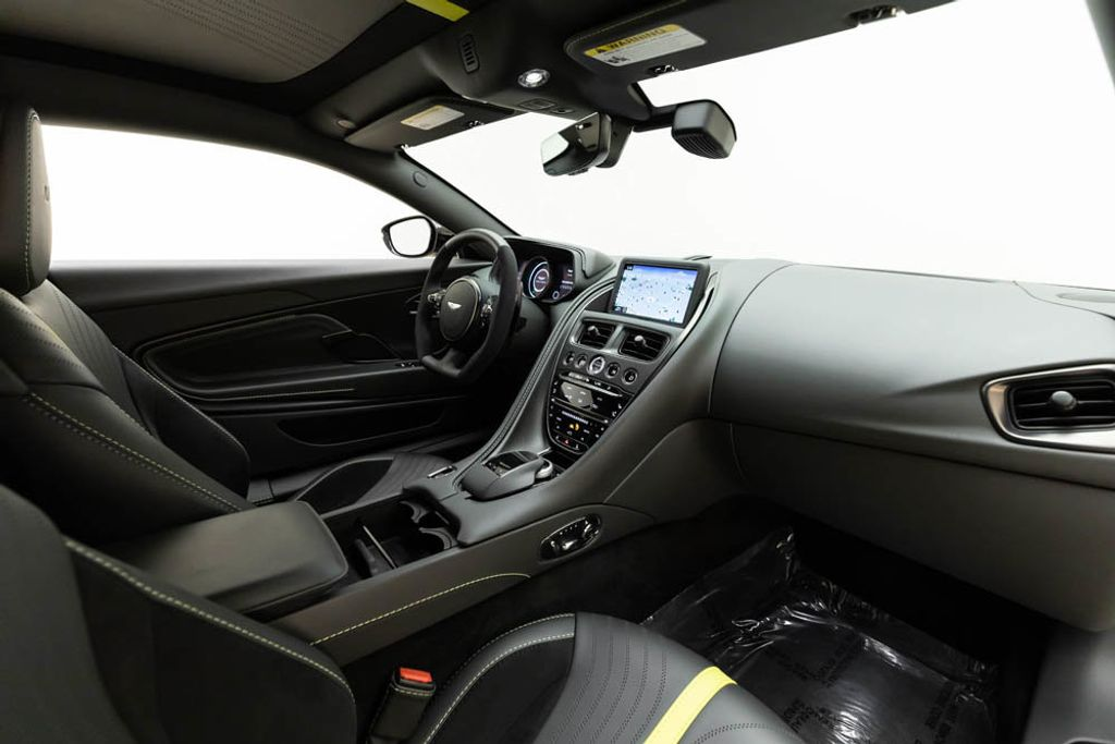 2019 Aston Martin DB11 AMR  - 18169795 - 17
