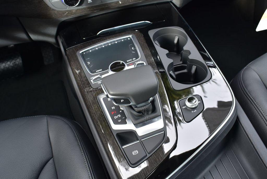 2019 Audi Q7 3.0 TFSI Premium Plus - 18410651 - 47