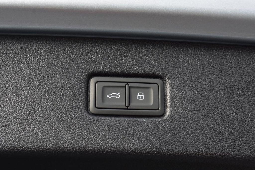 2019 Audi Q7 3.0 TFSI Premium Plus - 18410651 - 57