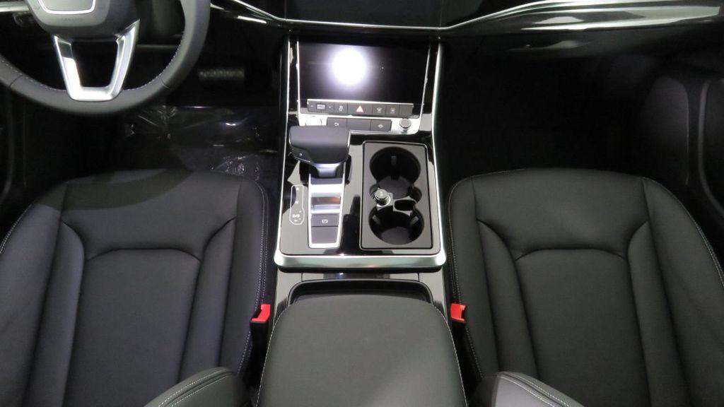 2019 Audi Q8 3.0 TFSI Premium - 18548915 - 17