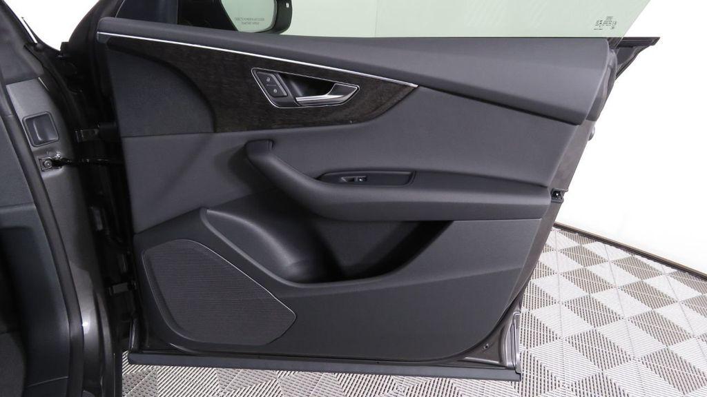 2019 Audi Q8 3.0 TFSI Premium - 18548915 - 26