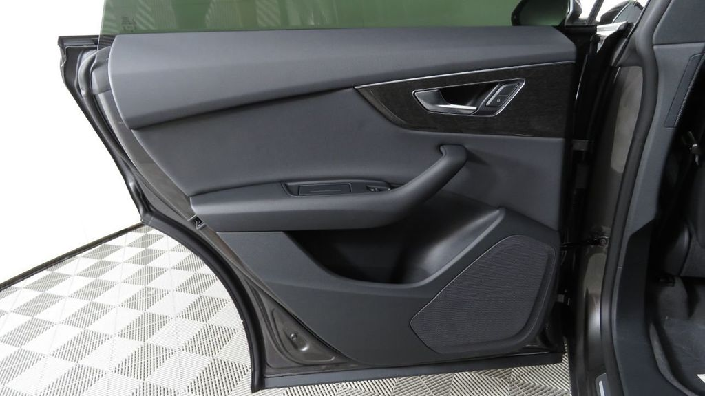 2019 Audi Q8 3.0 TFSI Premium - 18548915 - 27