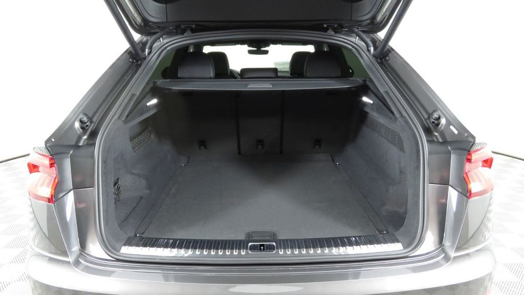 2019 Audi Q8 3.0 TFSI Premium - 18548915 - 29