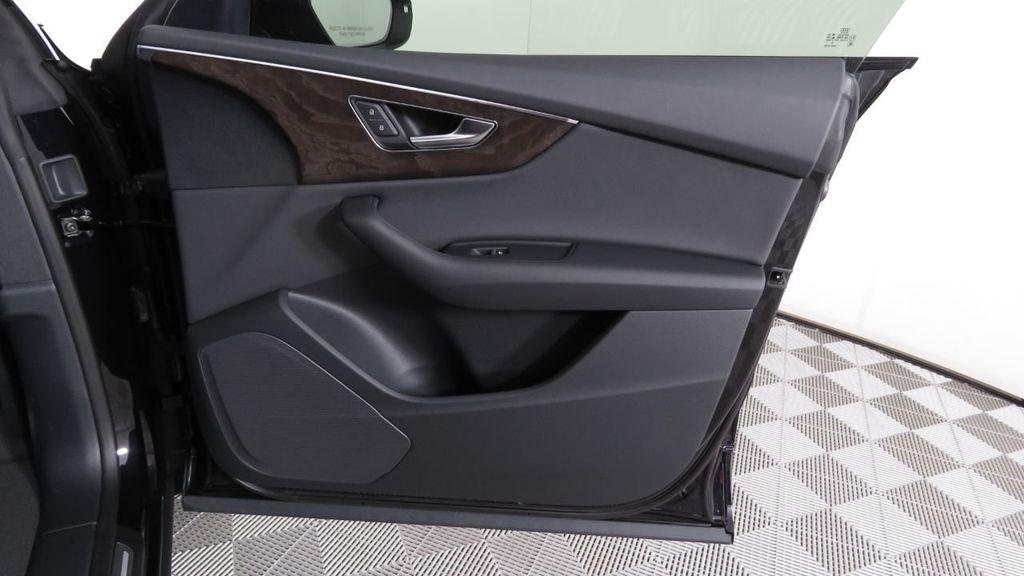 2019 Audi Q8 3.0 TFSI Premium - 18577293 - 25