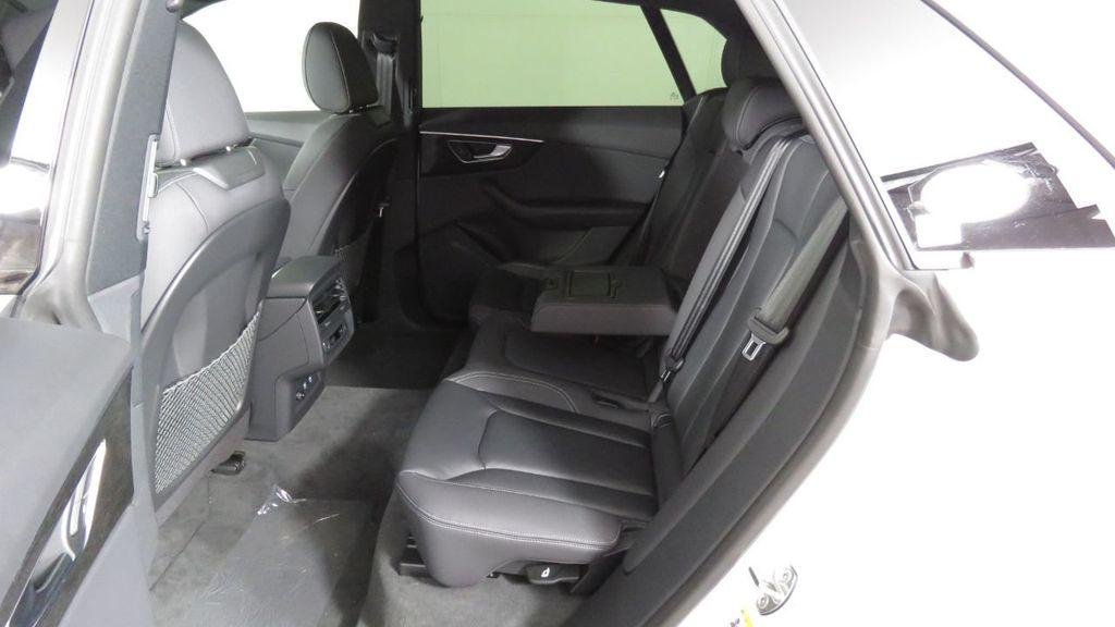 2019 Audi Q8 3.0 TFSI Premium - 18631761 - 24