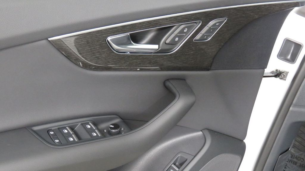 2019 Audi Q8 3.0 TFSI Premium - 18631761 - 26