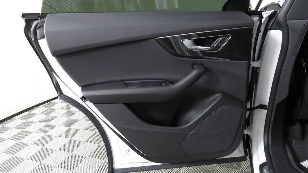 2019 Audi Q8 3.0 TFSI Premium - 18631761 - 29