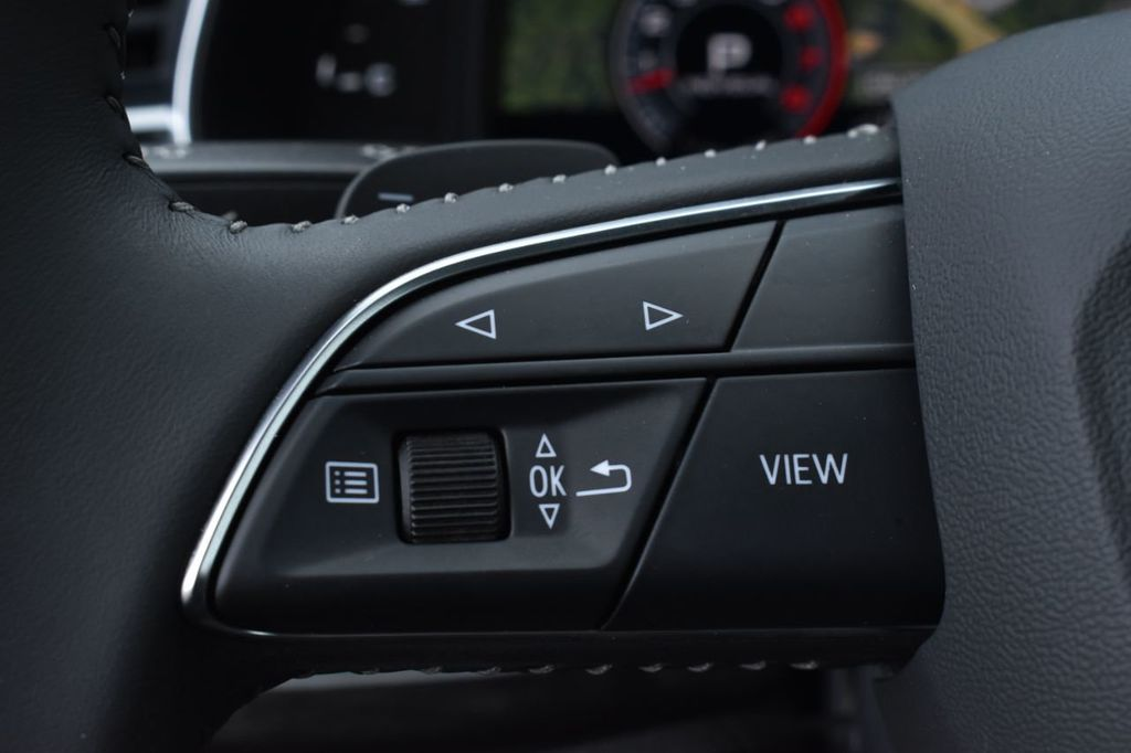 2019 Audi Q8 3.0 TFSI Premium - 18440777 - 17