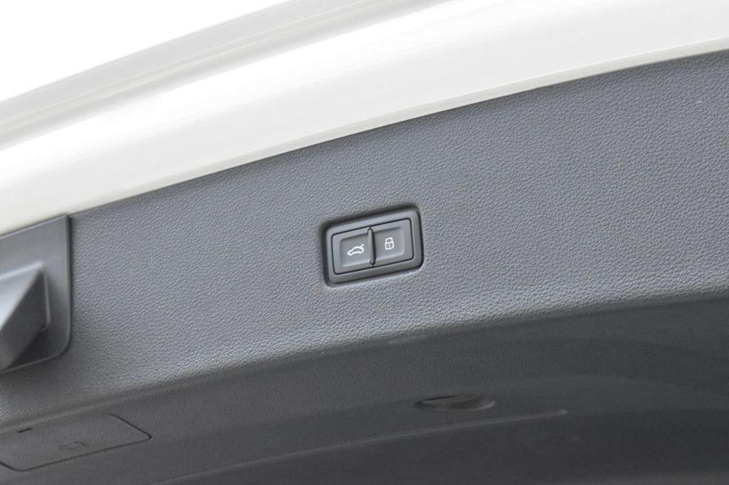 2019 Audi Q8 3.0 TFSI Premium - 18440777 - 36