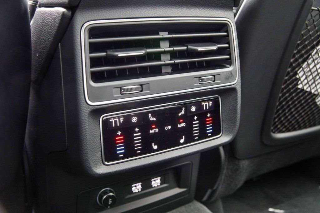 2019 Audi Q8 3.0 TFSI Premium Plus - 18867041 - 32