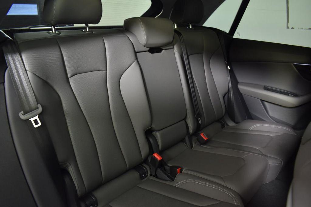 2019 Audi Q8 3.0 TFSI Premium Plus - 18632524 - 17