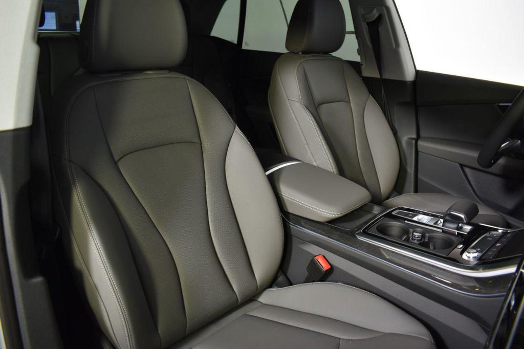 2019 Audi Q8 3.0 TFSI Premium Plus - 18632524 - 19