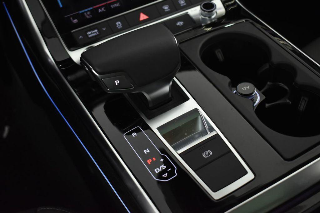 2019 Audi Q8 3.0 TFSI Premium Plus - 18632524 - 22