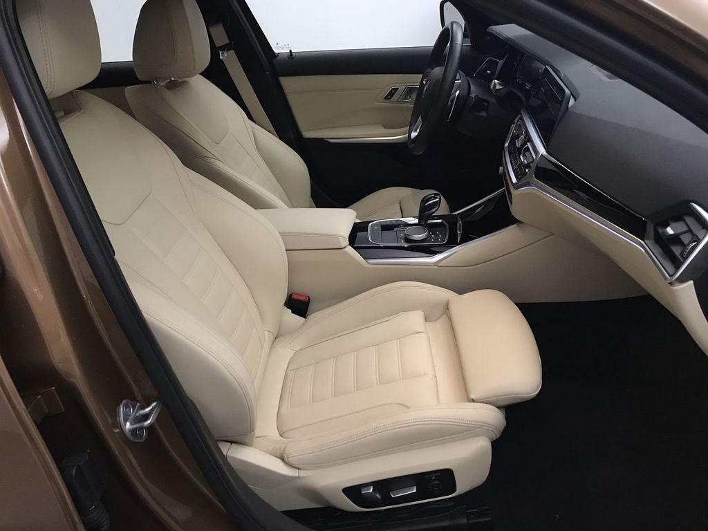 2019 BMW 3 Series 330i - 18761554 - 30